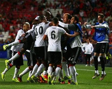 Beşiktaş, Lizbon'da bir puanı kaptı kaçtı