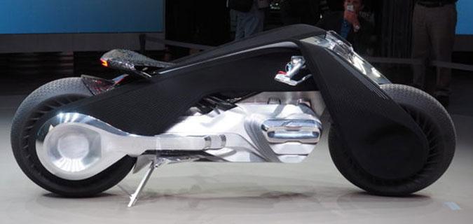 BMW yeni motosikleti ile gözleri kamaştırdı