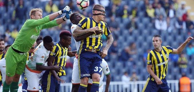 Fenerbahçe 1-1 eriyor