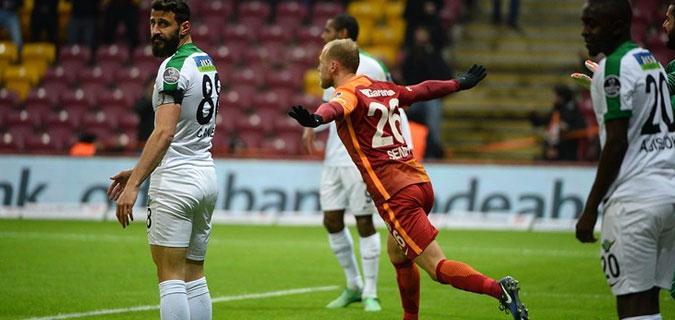 Galatasaray, Akhisar'a İstanbul'da gol yağdırdı: 6-0