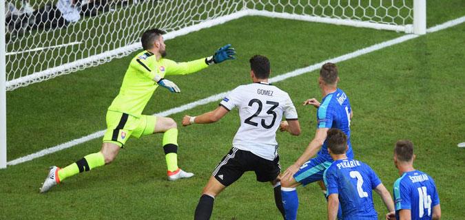 Mario Gomez gol yağmurunda bile seyirci