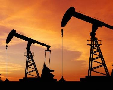 Petrol fiyatları son 2,5 ayın dibinde