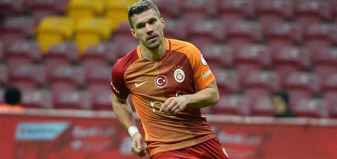 Podolski 5 gol birden attı tarihe geçti