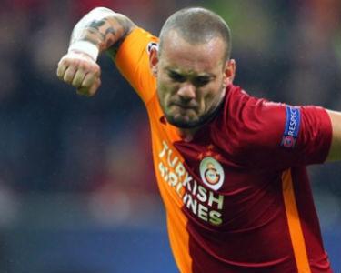 Sneijder'in performansı parmak ısırtıyor