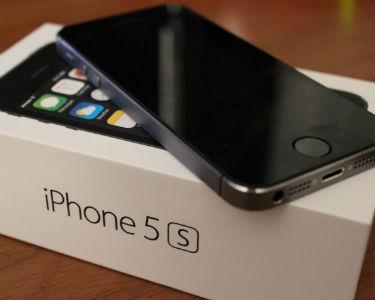 Uçaktan düşürdüğü iPhone yine çalıştı!